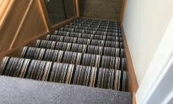 Jak položit koberec na schody