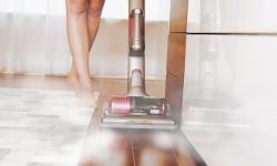 Parní čištění podlahy